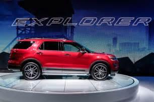 2016 Ford Explorer Sport 2016 Ford Explorer Sport Side Photo 2
