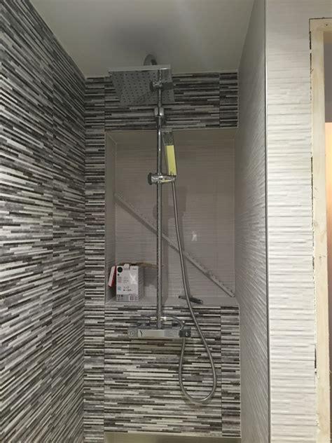 estanterias ducha foto estanter 237 as de obra dentro de la ducha de leradicore