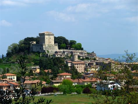 valdichiana sarteano visit sarteano and its castle right between the val d
