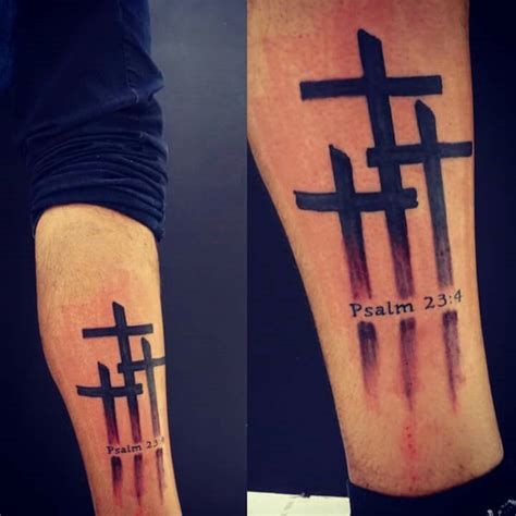 tattoo jesus kreuz rücken three cross tattoo psalm 23 4 tattoo pinterest
