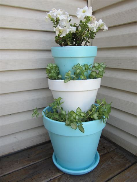 Stacked Planters by Day 4 Stacked Flower Pots This Could Get Pinteresting