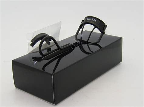 sectional eyelash curler chanel recourbe cils de chanel precious eyelash curler