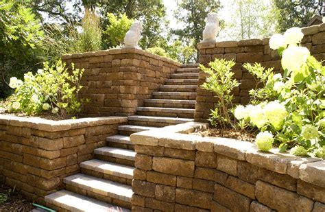 Retaining Wall Stairs Design Terrific Retaining Wall Decorating Ideas
