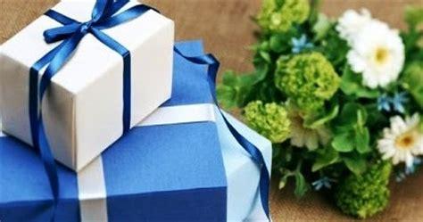 Kado Pernikahan Baju Wanita Ba 9298 20 kado pernikahan yang unik dan menarik untuk pengantin baru