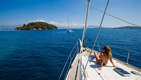 yacht holidays sail away how to organise a luxurious yacht holiday kixp