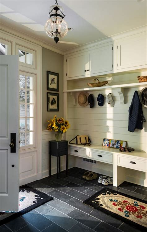 mudroom floor ideas best 25 entryway flooring ideas on tile