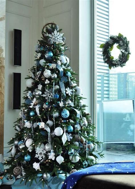 blue and white decorating ideas 35 frosty blue and white d 233 cor ideas digsdigs