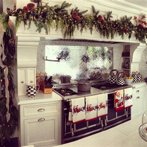 christmas decorating ideas for the kitchen best 25 christmas kitchen decorations ideas on pinterest