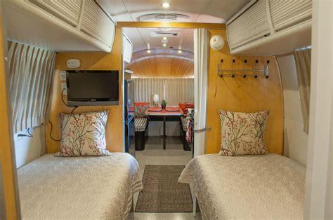 1976 Airstream Overlander 27   Texas