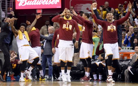 nba benches cavs bench goes wild after iman shumpert throws down a
