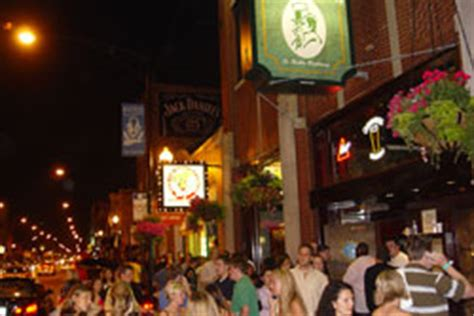 top wrigleyville bars how to hit a homerun the best of wrigleyville bars