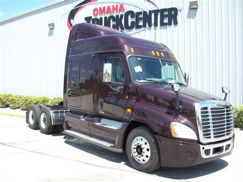 freightliner cascadia cab curtains 2011 freightliner cascadia ca125 stocknum aw5638
