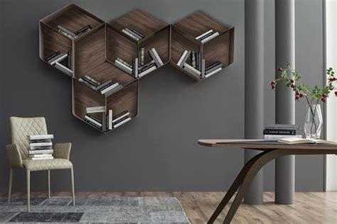 libreria componibile a cubi libreria componibile composta da cubi in legno e metallo