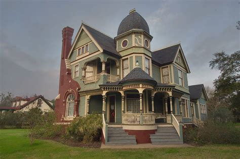 queen anne style home slideshow 605 22 jones house queen anne style 1897 now