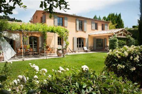 maison de provence decoration constructeur maison traditionnelle provence