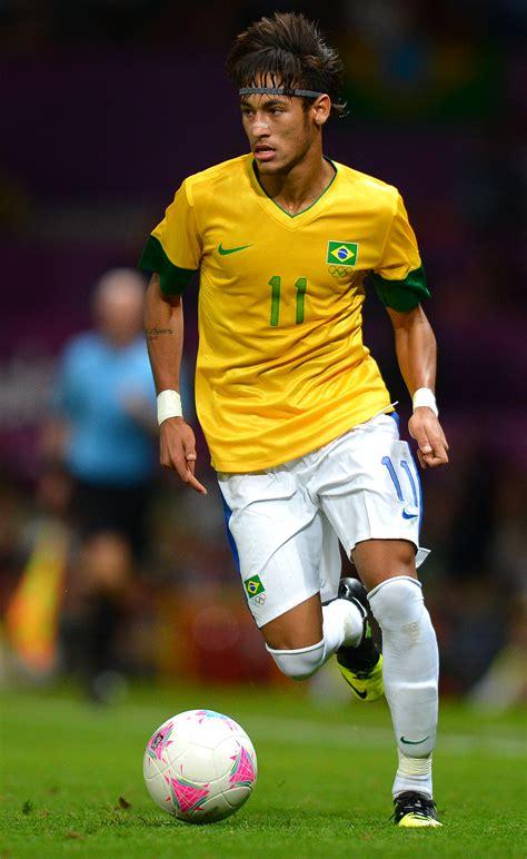 neymar jr favorite color music food hobbies soccer player image gallery neymar soccer