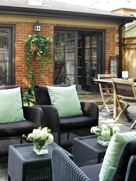 Patio Doors For Small Spaces Editor S Picks 10 Outdoor Finds For Small Spaces