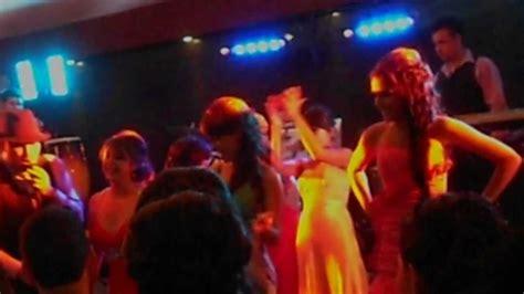 imagenes locas mujeres chicas bailando en fiesta de graduaci 243 n youtube
