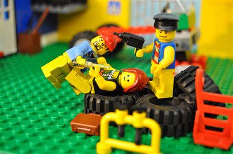adult legos no just no well okay adult lego scenes geekologie