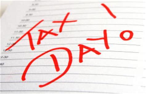 Free Tax Day Giveaways - tax day 2015 freebies