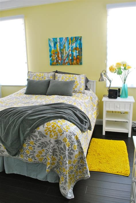 Soft Yellow Bedroom by Stylish Bedroom Design Ideas With Yellow Colors And