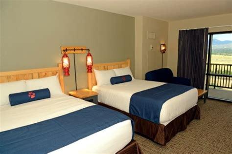 rooms in colorado springs great wolf lodge water park resort interquest marketplace colorado springs