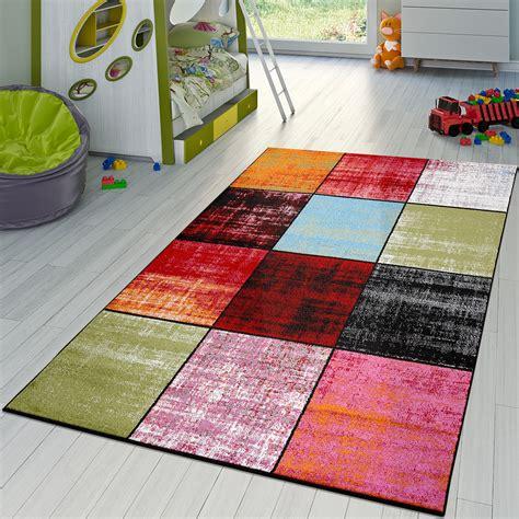 teppich kinderzimmer grau teppich karo rot schwarz grau gr 252 n pink meliert modern