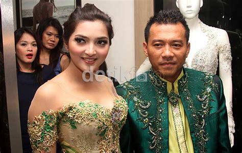 Dress Batik Cantik Brokat Koin foto pernikahan anang ashanty 2012 resmi nikah anang