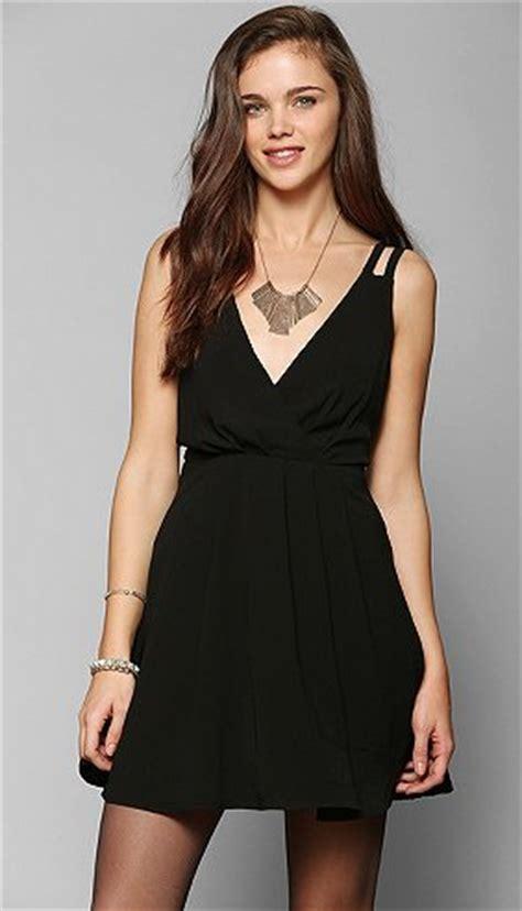 necklaces for every neckline wardrobes