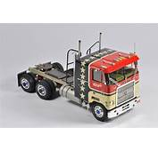 Interesting Early 1/25 Scale AMT Mack Cruise Liner Truck