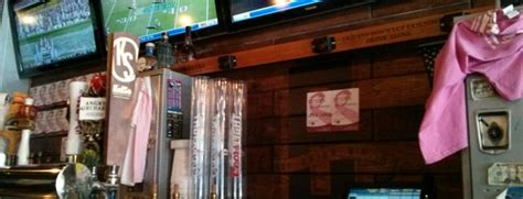 bench sports bar the 9 best sports bars in brooklyn
