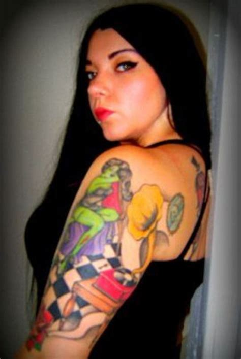 old school pinup tattoo old school pin up girl tattoos eemagazine com