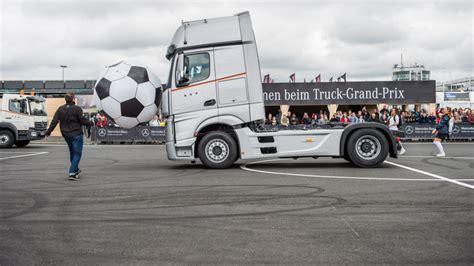 mercedes truck 2016 mercedes at the truck grand prix 2016 roadstars