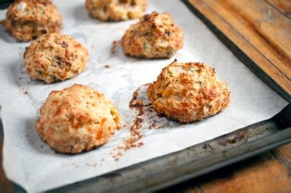easy biscuit recipe cheddar biscuits