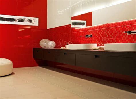 Délicieux Salle De Bain Magnifique #6: jolie-cuisine-avec-carrelage-mural-rouge-dans-la-salle-de-bain-rouge-et-blanc-sol-en-carrelage-beige.jpg