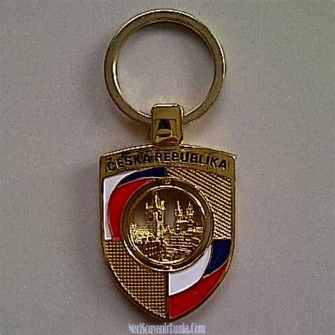 Gantungan Kunci Souvenir Mancanegara Republik Ceko jual souvenir gantungan kunci bendera ceko