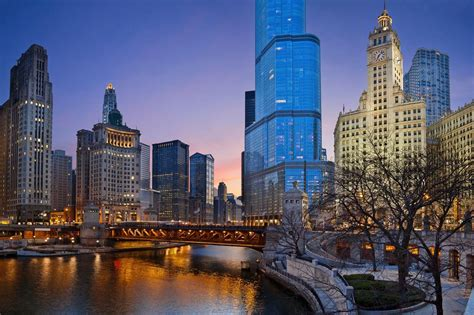 Of Illinois Or Chicago Mba by Chicago Guide Bars Clubs Hotels Reviews And