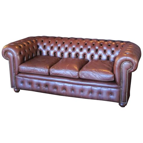 chesterfield sofa definition chesterfield sofa definition brokeasshome com
