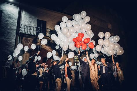 dove si comprano le lanterne volanti lanterne volanti al matrimonio quando usarle dove