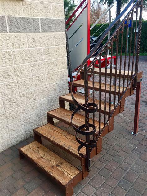 corrimano per scale interne in legno corrimano in legno per scale interne
