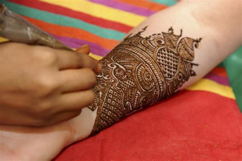 tattoo with henna henna care