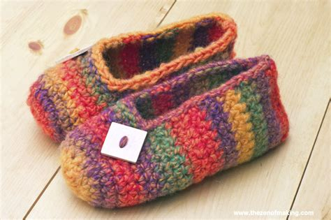 make slippers crochet pattern rainbow striped slippers the zen of