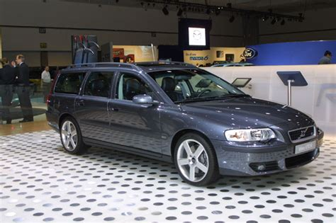 image 2003 volvo s70r los angeles auto show size 650 x