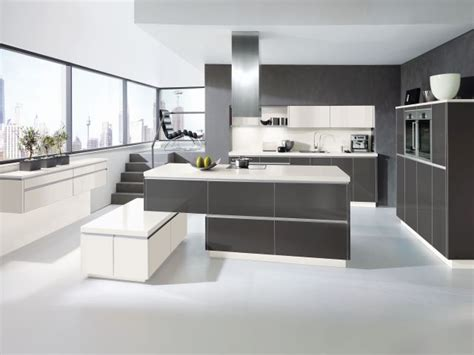 Kitchen Design Ideas 2014 by K 252 Chen In Grauem Hochglanz F 252 R Ein Edles Ambiente