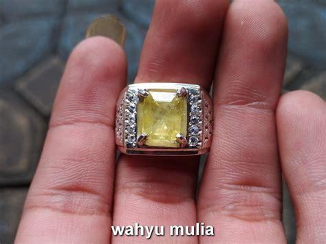 Yakut Ceylon Srilangka batu permata yellow safir yakut asli kode 727 wahyu mulia