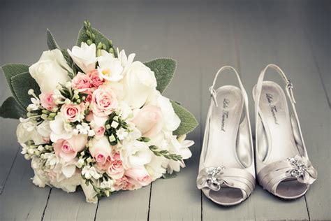 Wedding Shoes Pictures by Pictures Of Wedding Shoes You Need To Take Arabia Weddings