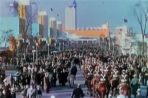 in color chicago a look at the 1933 chicago world s fair in color curbed