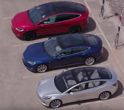 Tesla Model X Size See The Tesla Model S 3 X Cars From Above Vr World