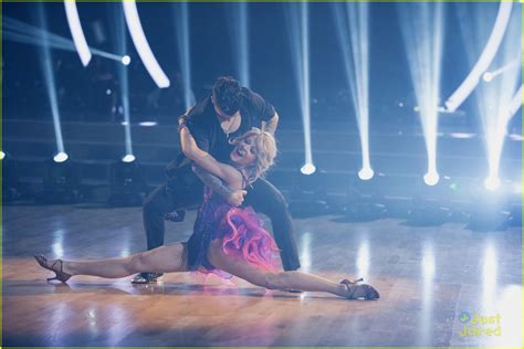 Where Was Libdsy Stirlibg Dwts Carpet - stirling is ready for the dwts finals tonight