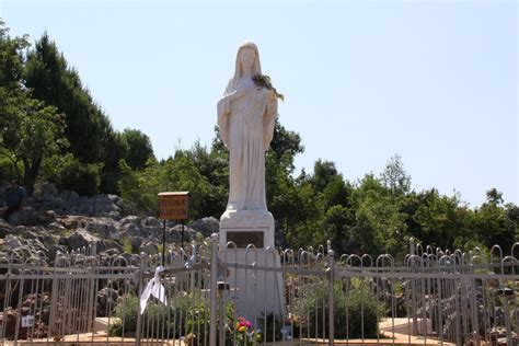 La Virgen Maria En Medjugorje Medjugorje Historia Y   la virgen maria en medjugorje medjugorje historia y